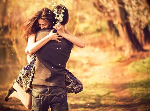 Cách ôm ngọt ngào yêu thương